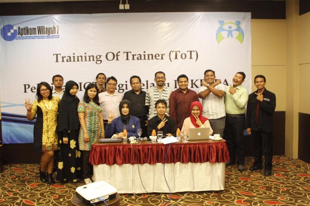 ToT Pelatihan ICT IR